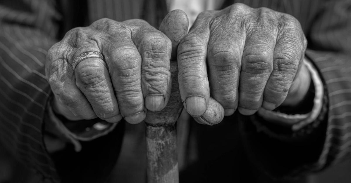 Sobre a proposta da idade mínima de 65 e 62 anos para a aposentadoria